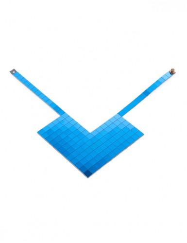 КОЛЬЕ из пластиковых квадратов синего цвета